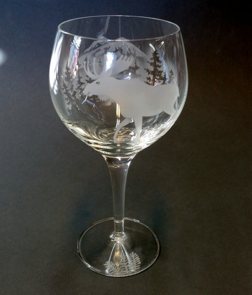 Etched Red Wine Glass - Moose