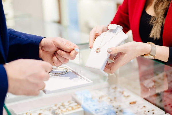 How to Buy Diamond Jewelry - Men | ÇHANELIA