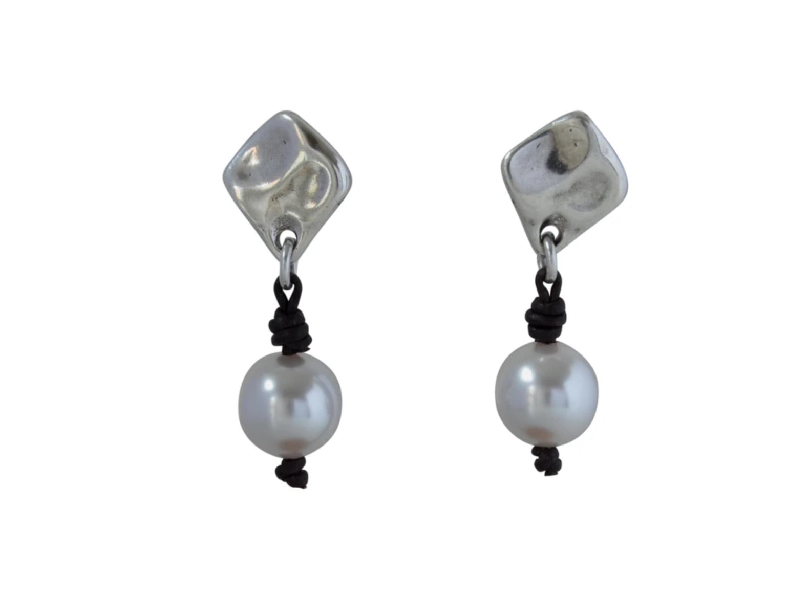 Vidda Oyster Earrings