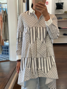 MINU Geometry Long Blouse