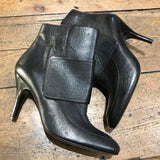 LANVIN BLACK LEATHER HEELED ANKLE BOOTS