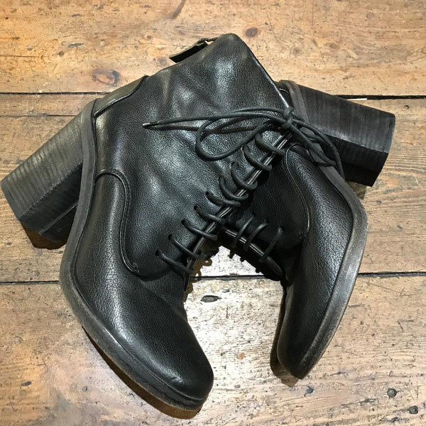 MARSELL  BLACK LACE UP ANKLE BOOT 37