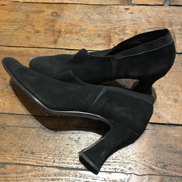 VINTAGE DKNY SUEDE SHOES 41