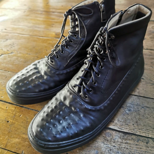 ALEXANDER MCQUEEN BLACK LEATHER HIGH TOP