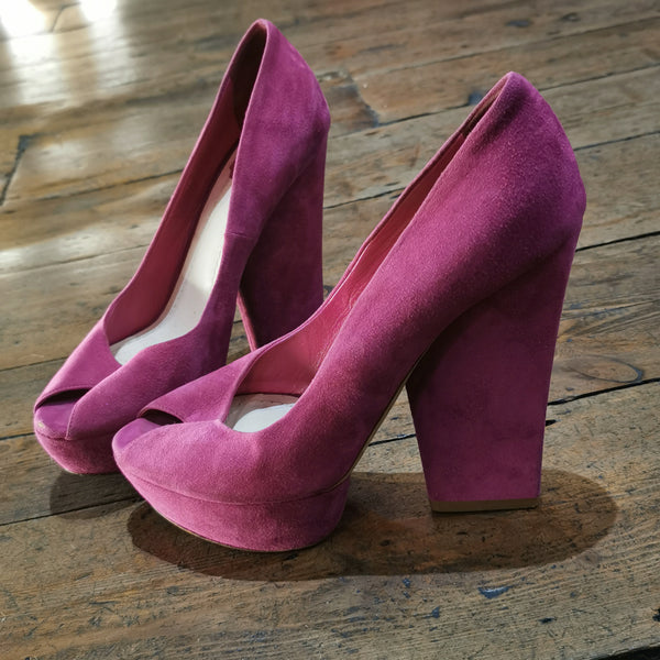 CHRISTIAN DIOR  PINK SUEDE ELEVATED COURT SHOE