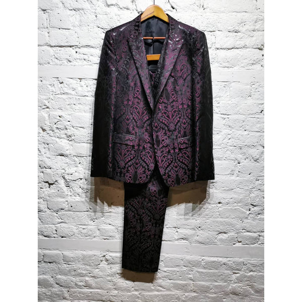 DOLCE AND GABBANA MARTINI SUIT SIZE 50 R
