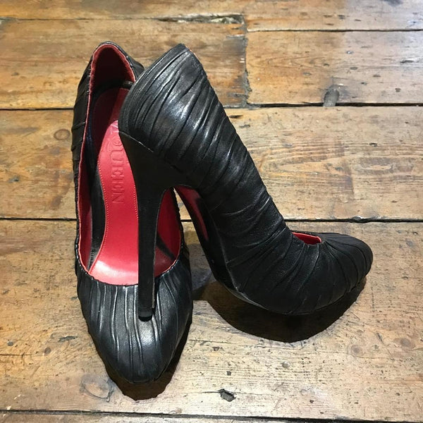 ALEXANDER MCQUEEN BLACK FOLDED LEATHER HEELS Size 35.5