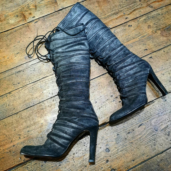 JILSANDER GREY DISTRESSED KNEE BOOTS