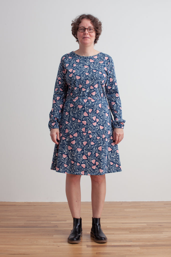 Women's Cambridge Dress - Holland Floral Midnight Blue & Dusty Pink