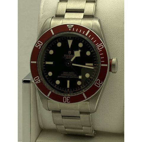 Tudor Geneve Heritage Men's Black Bay Automatic Red Bezel Watch M79230R-0003