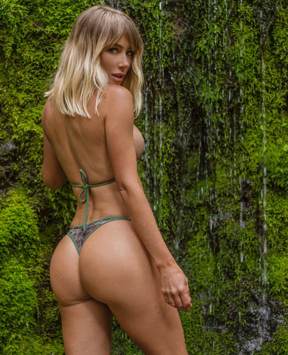 Sara Underwood: Nature Buff. Official Store and gallery.