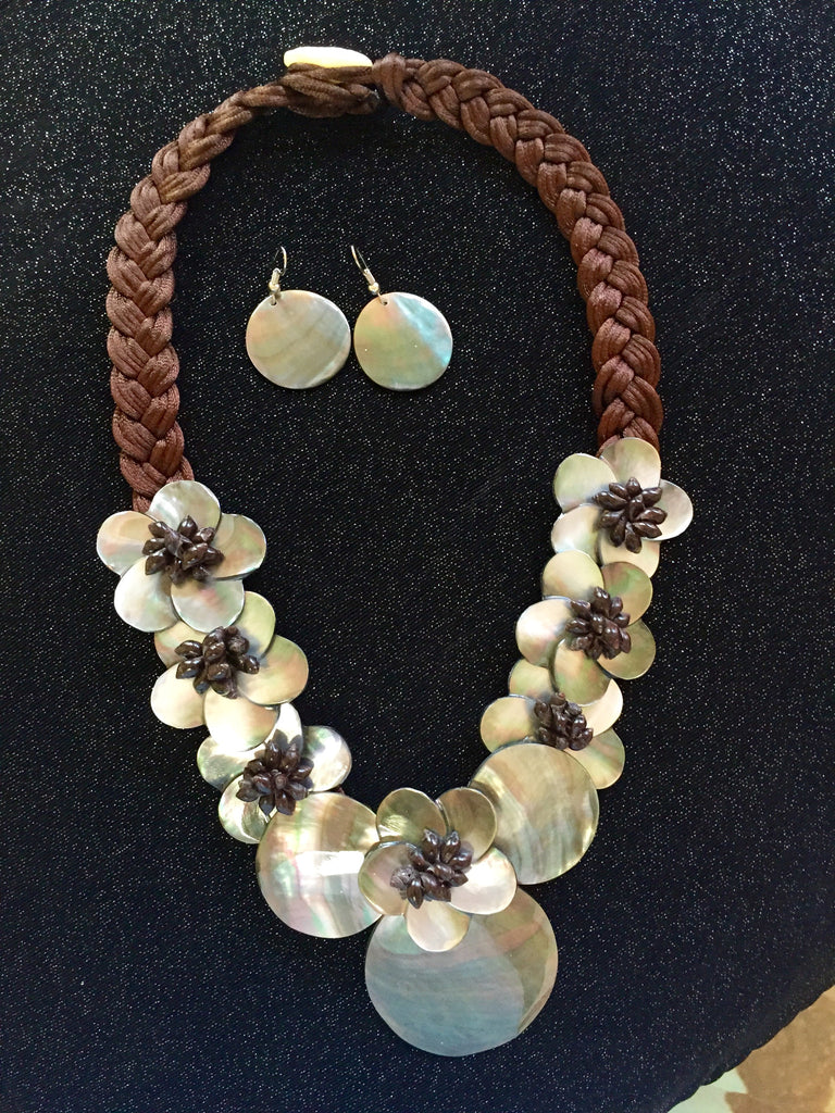 Mother-of-Pearl Polynesian Necklace and Earring Set