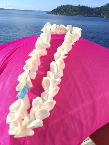White Polynesian Sea Shell Lei