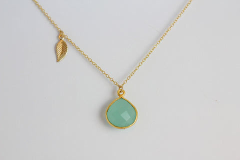 lindsy side leaf necklace