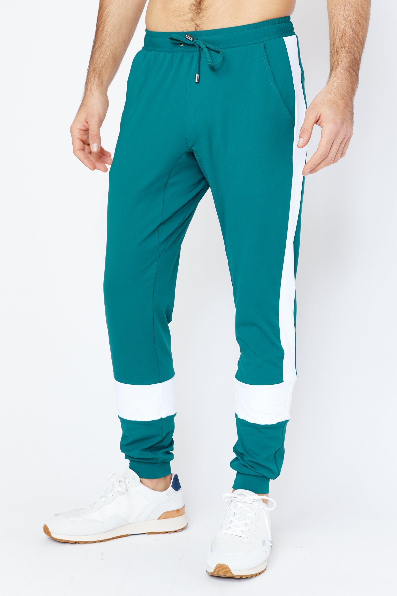 Maiden Jogger in Evergreen/White