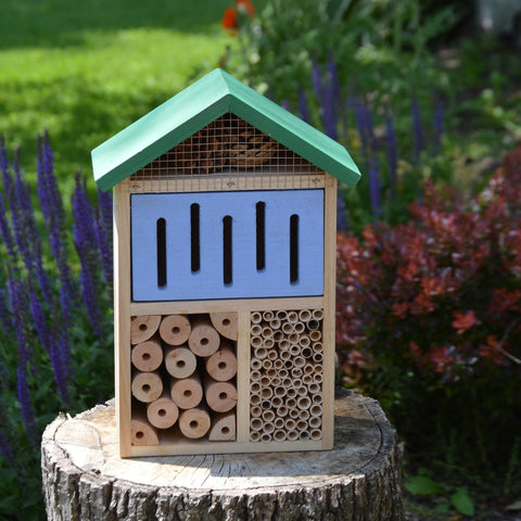 Better Gardens Beneficial Insect House (Model# CWH7)