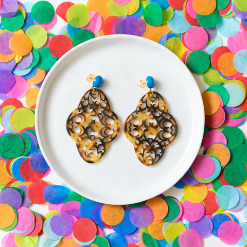 handmade womens tortoise shell quartefoil earrings katie bartels