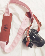 Blogger Navy Striped Peonies reviews FOTO's genuine leather camera strap the Fotostrap.