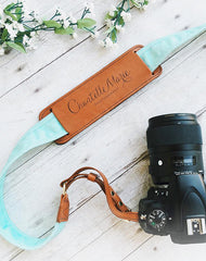 Instagrammer Chantelle Marie reviews FOTO's genuine leather camera strap the Fotostrap.