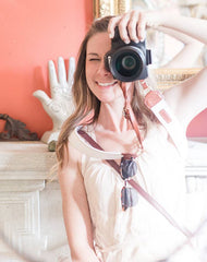 Instagrammer Rachele reviews FOTO's genuine leather camera strap the Fotostrap.