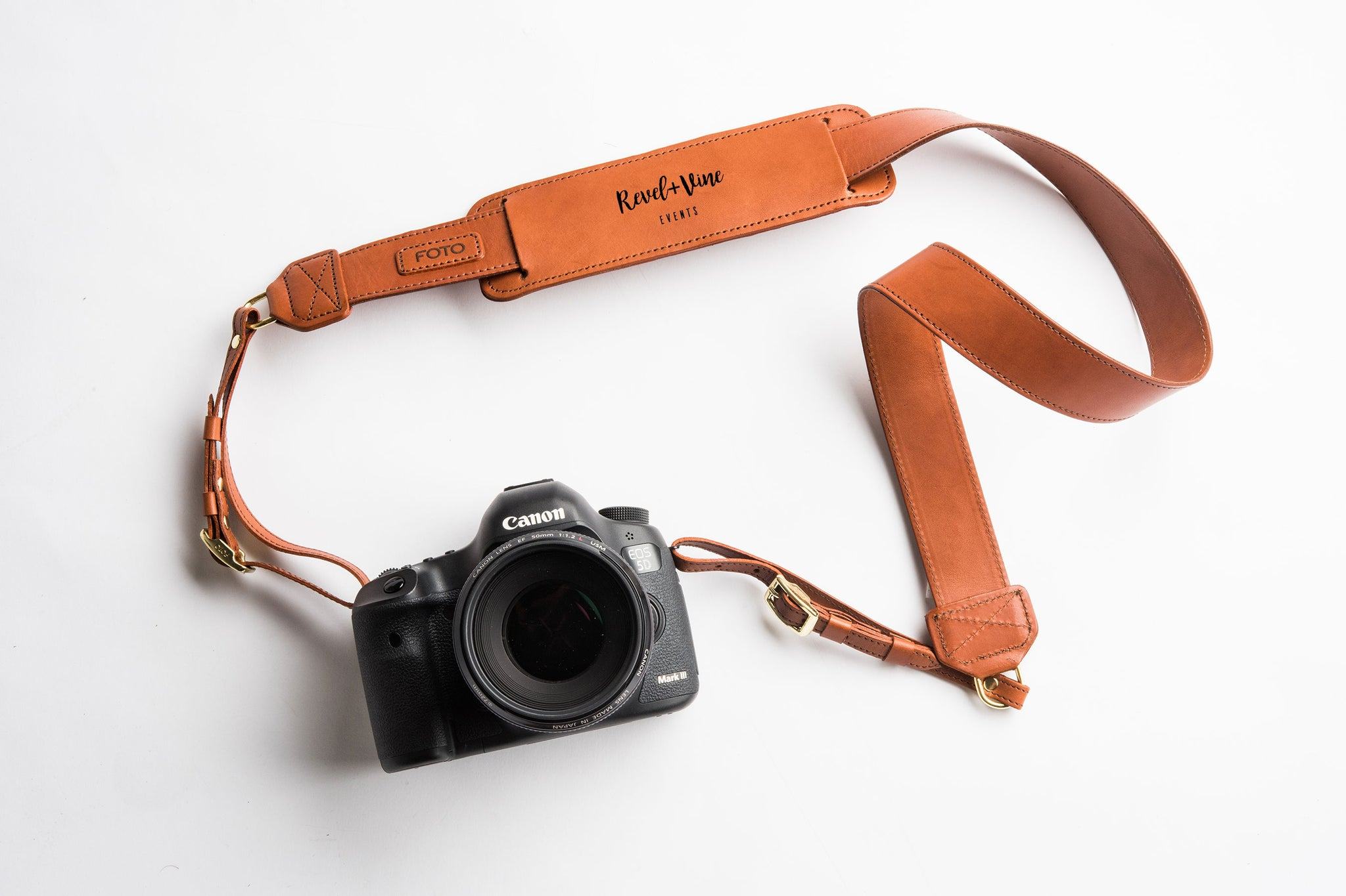 Learn how to design your own logo and visual brand for your new photography business with these simple tips from Fotostrap