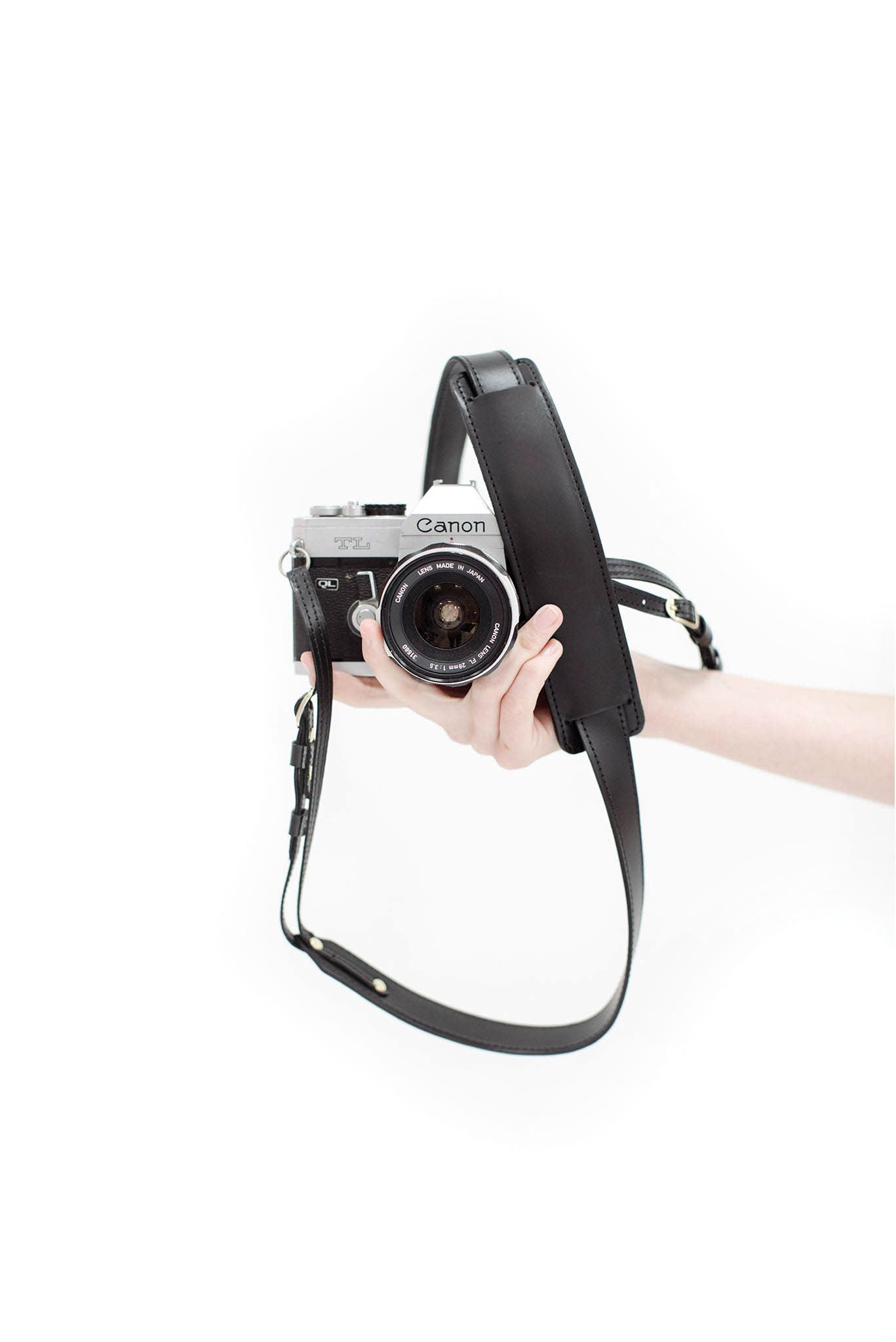 FOTO | The Skinny Black - a black genuine all-leather skinny camera strap that can be personalized with a monogram or business logo, making this leather camera strap the perfect personalized gift.