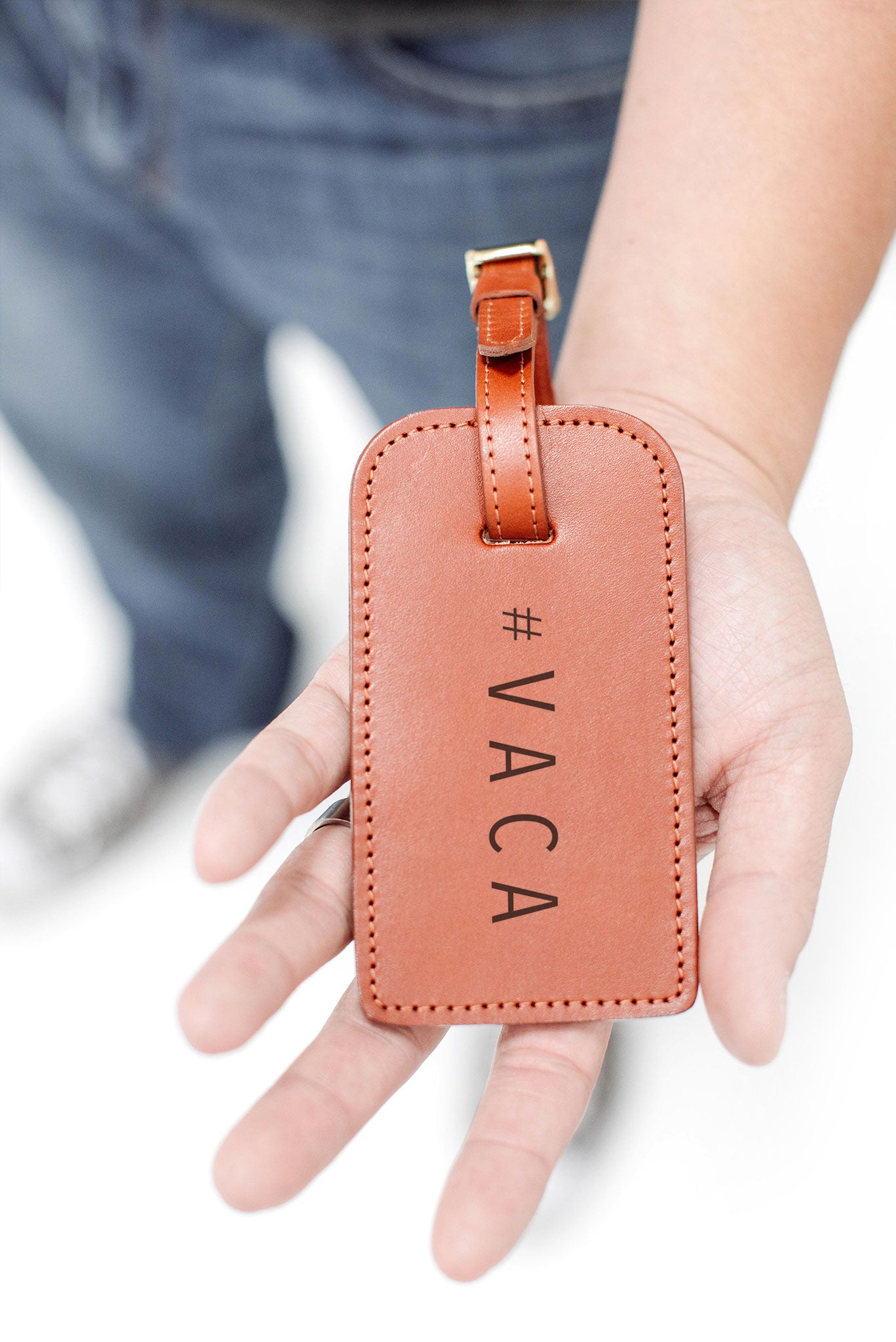 "FOTO | ""#VACA"" Luggage Tag - this genuine leather luggage tag is the perfect travel gift."