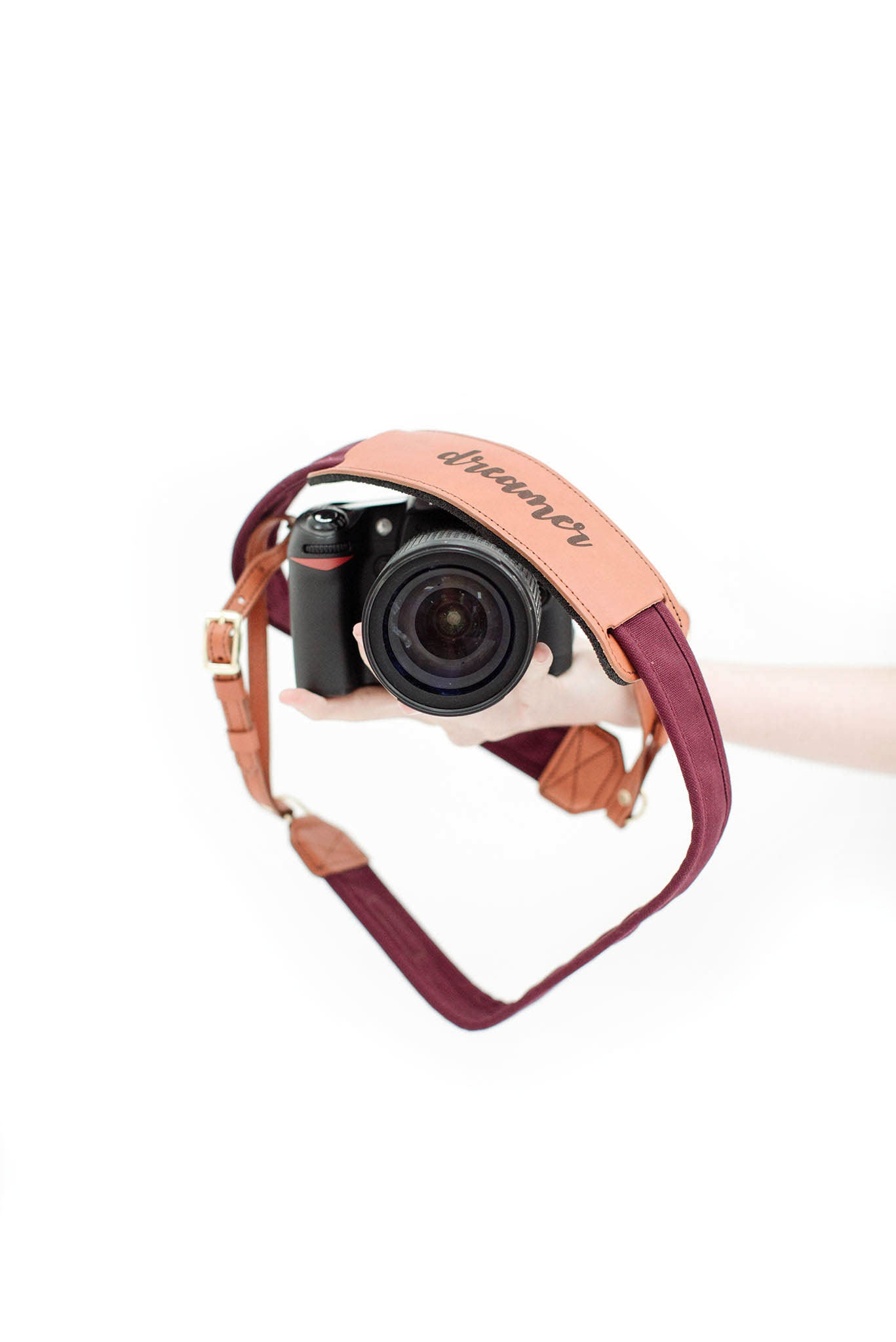 "FOTO | ""Dreamer"" Fotostrap - this genuine leather camera strap is available in a wide variety of colors, making it the perfect photographer gift!"