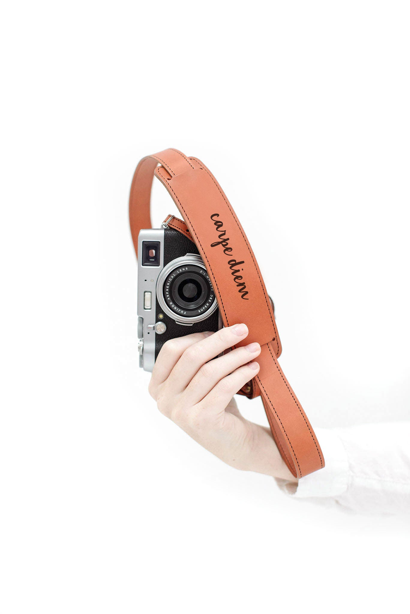 "FOTO | ""Carpe Diem"" Skinny Fotostrap - this genuine leather skinny camera strap is available in cognac and black leather, making it the perfect photographer gift!"