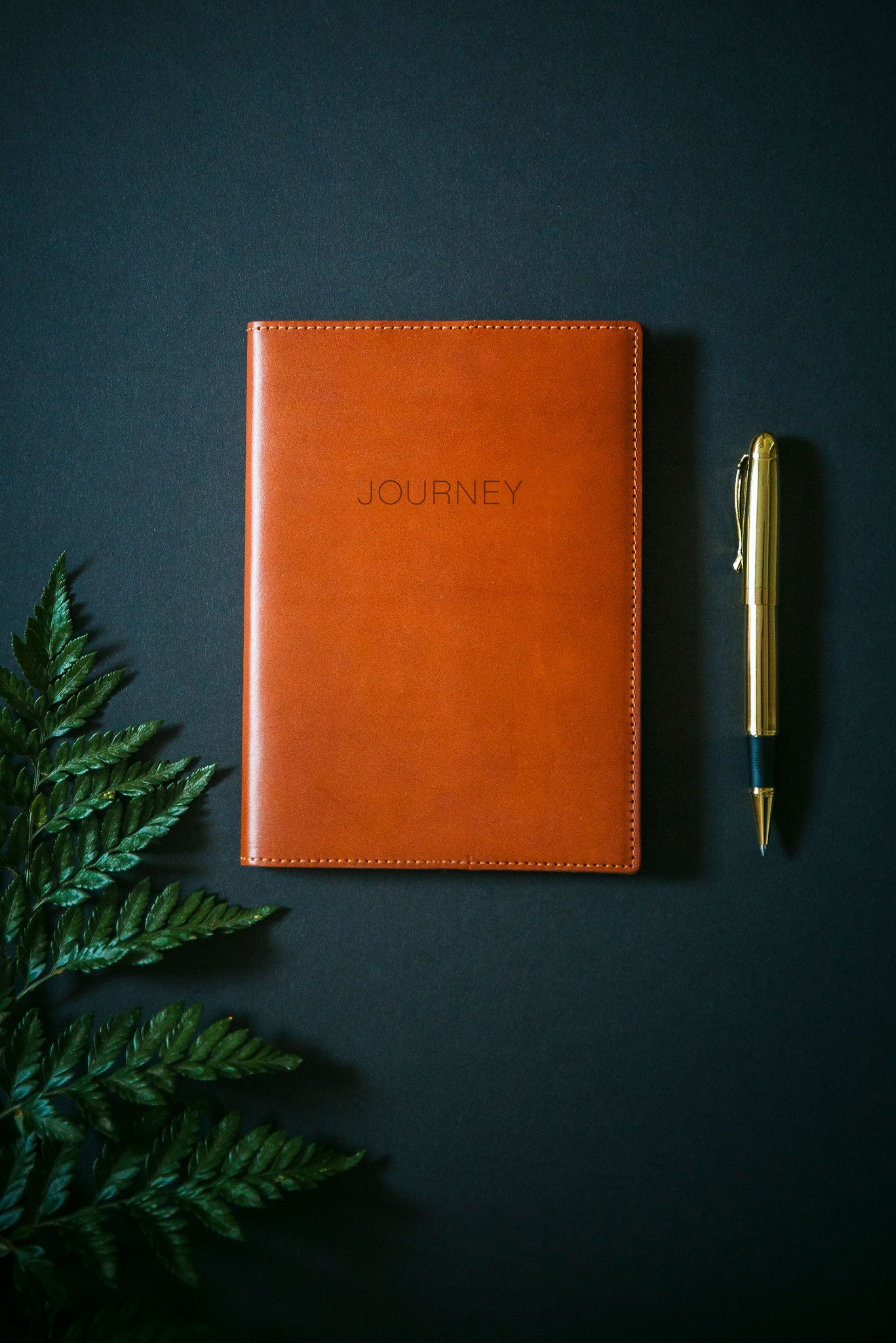 FOTO | Cognac Leather Journal for Travel - refillable genuine leather journal cover can be personalized with gold foil initials, a monogram or personal graphic making it the perfect personalized gift.