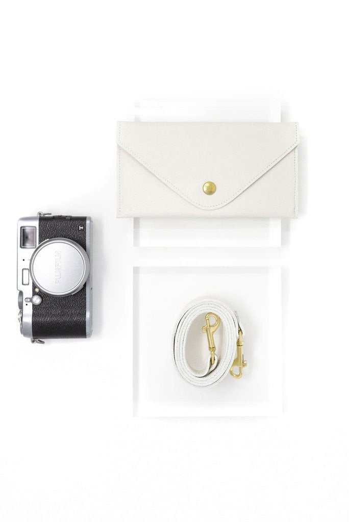Ivory Designer + Memory Card Wallet Bundle