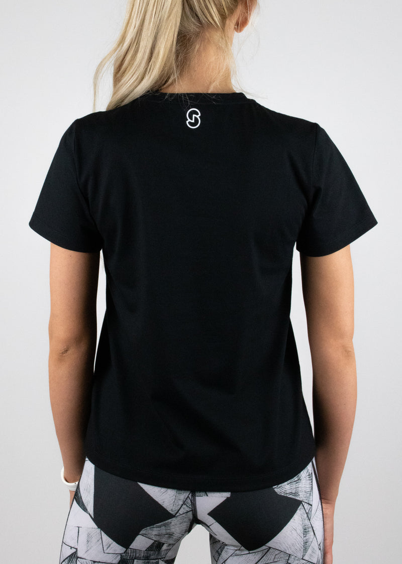 Perfect Little Black Tee with short sleeves and a small white Susimust logo at nape from Susimust SS19 collection - back view