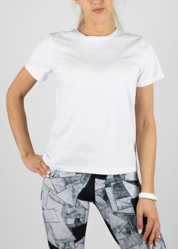 Perfect Little White Tee with short sleeves from Susimust SS19 collection - front view