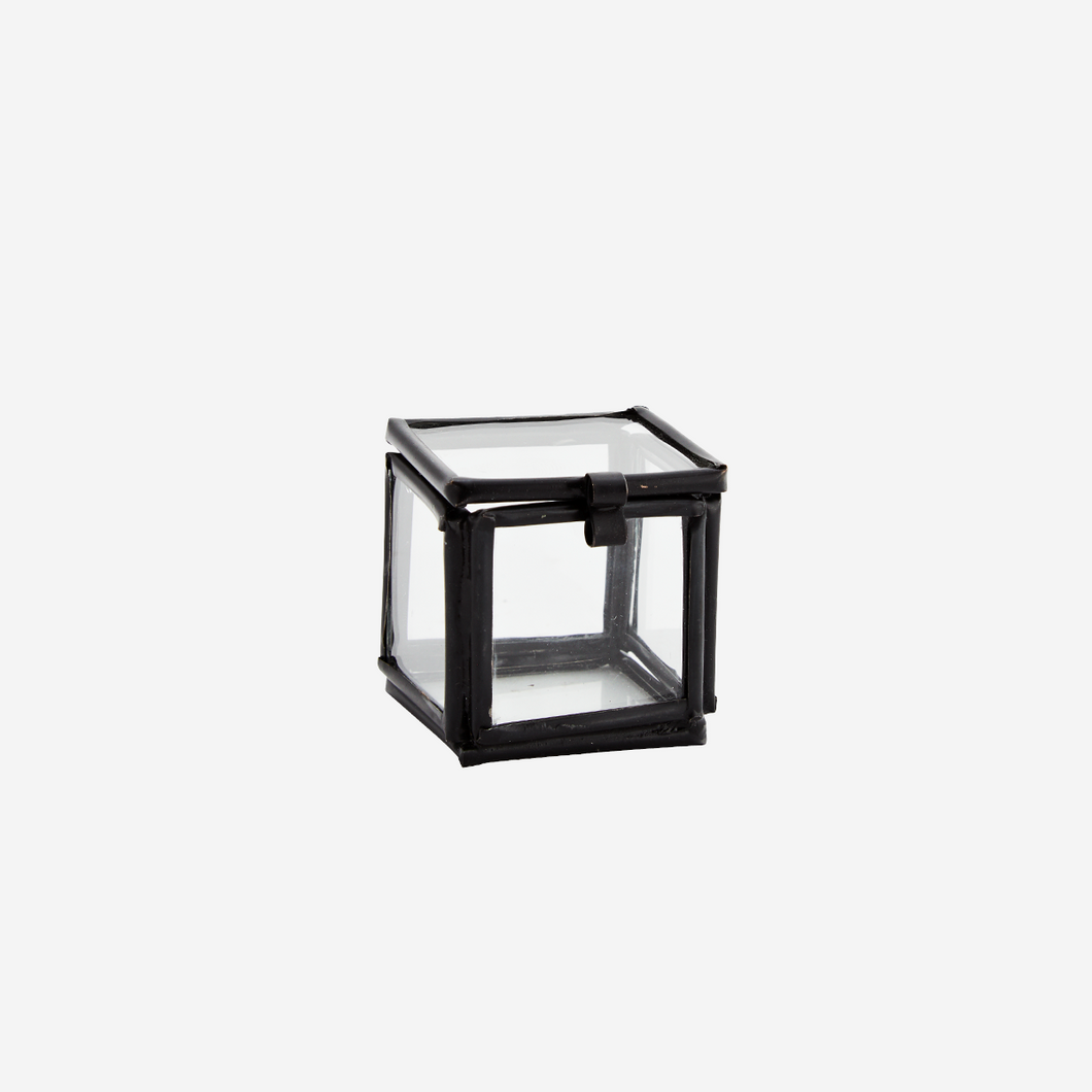 Small Quadratic Glass Box