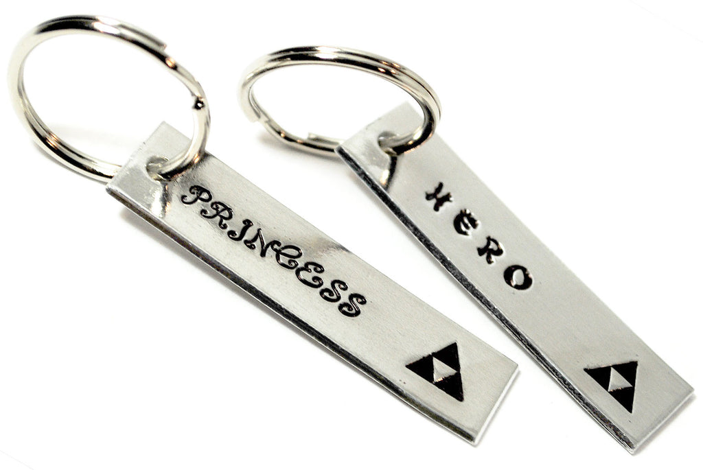 Hero/Princess - Zelda Aluminum Keychains w/Triforce symbol