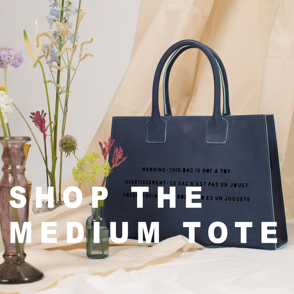 THE MEDIUM TOTE