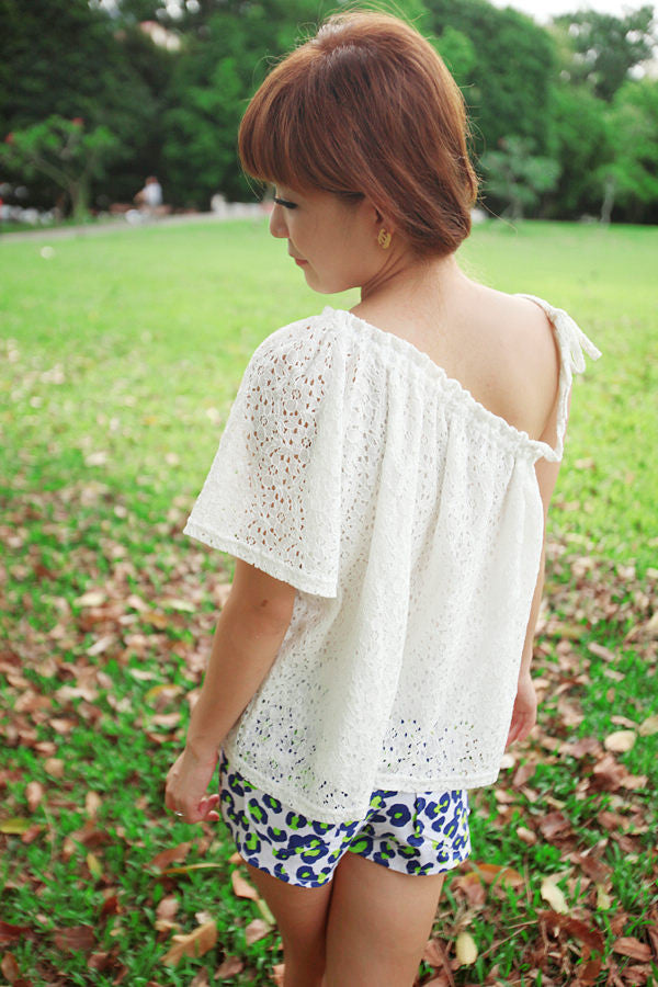 Eyelet Toga Blouse with Butterfly Sleeves