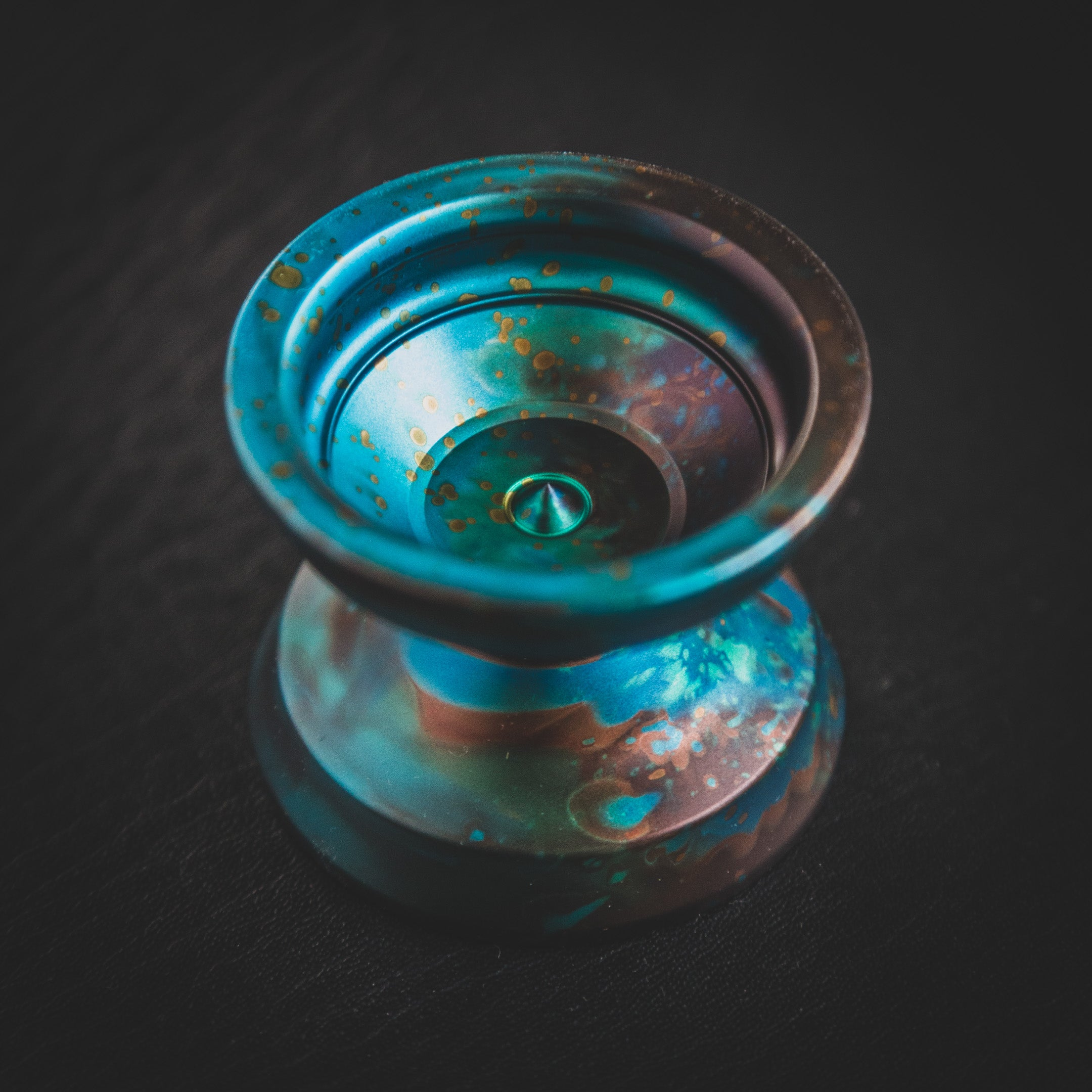 Swamp Monster Yoyo Copper Oxide Acid Splash, front view