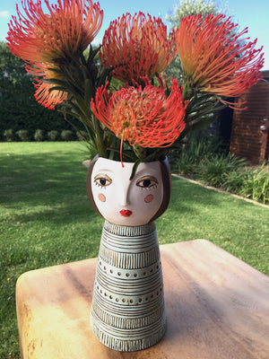 Lady Brunette Vase-planter