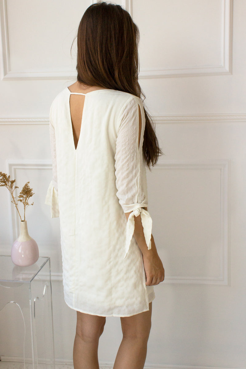 dresses with sleeves