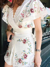 Holiday style flower embroidery V-neck Slim suits