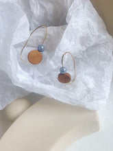 Geometric round wood temperament earrings