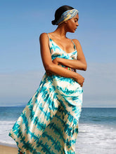 Dovechic Printed Spaghetti-neck Backless Maxi Dress