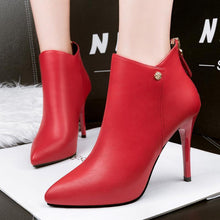 Elegant Red Black Bootsies Boots