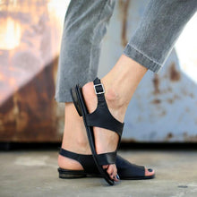 Casual Open Toed Plain Buckle Sandal