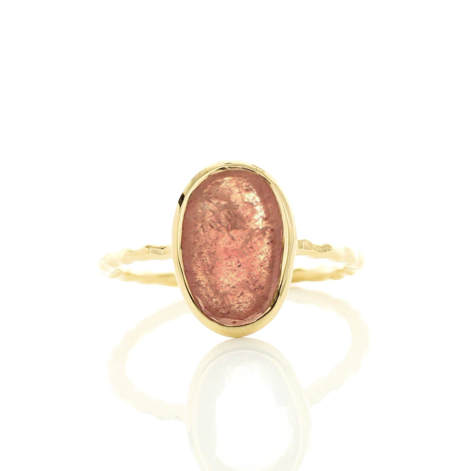 PROTECT OVAL RING - CRANBERRY QUARTZ & GOLD