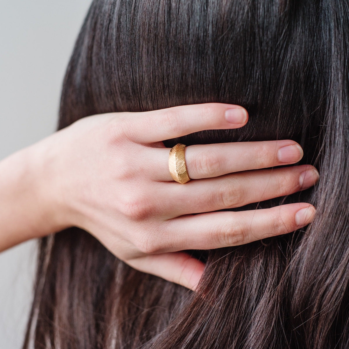 BRAVE SLIM BAND RING - GOLD - SO PRETTY CARA COTTER