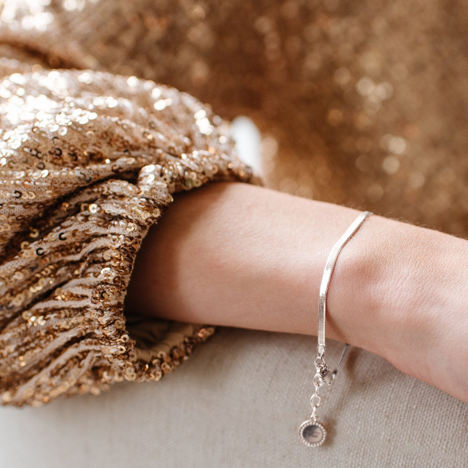 DAY 12 - CHARMING HERRINGBONE BRACELET - ROSE GOLD OR SILVER - SO PRETTY CARA COTTER