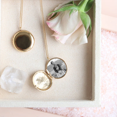 FRAICHE INSPIRE LOCKET NECKLACE - GOLD - SO PRETTY CARA COTTER