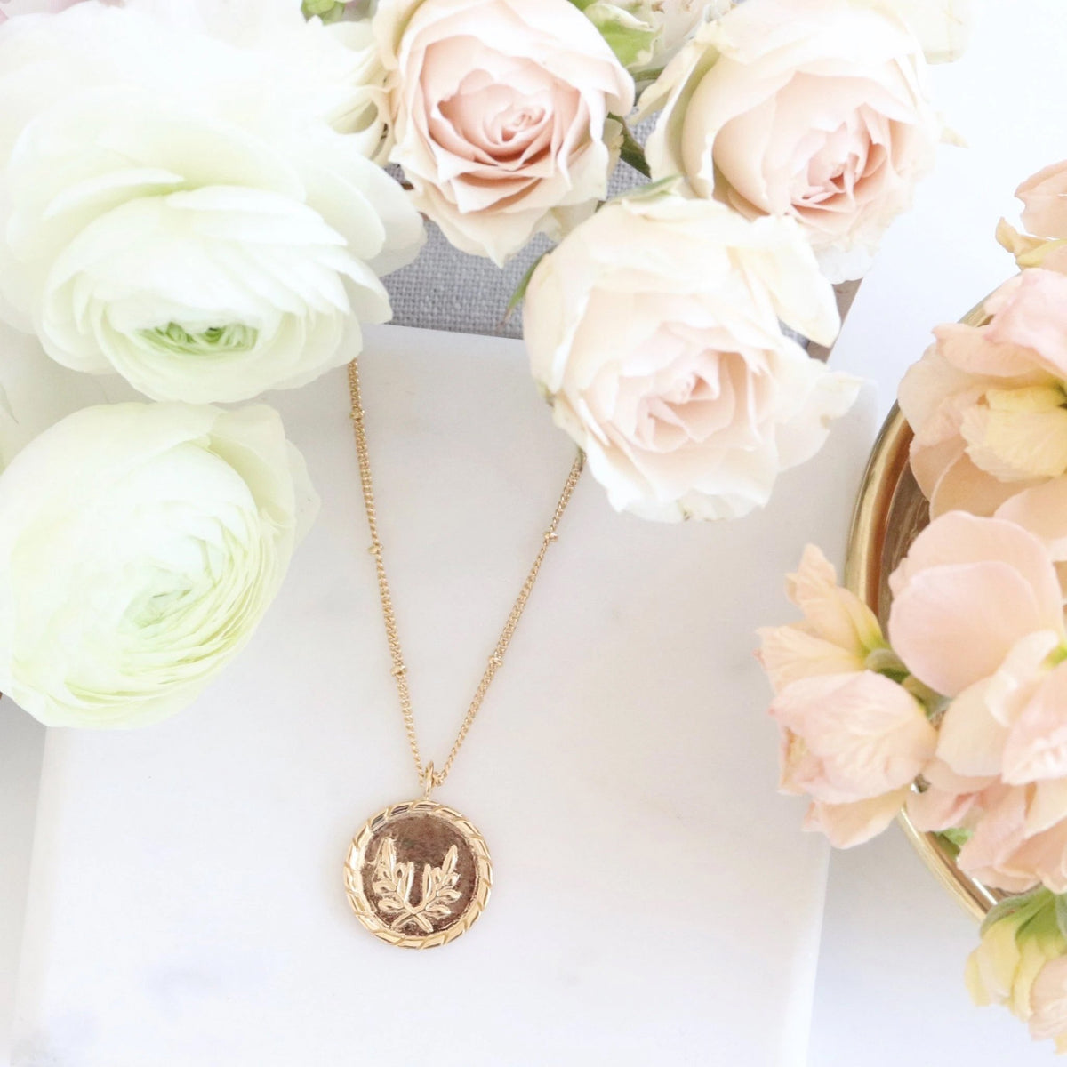 FRAICHE INSPIRE TOKEN NECKLACE - GOLD - SO PRETTY CARA COTTER
